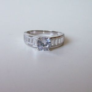 Cubic zirconia sterling ring.Size 9 (#2809)